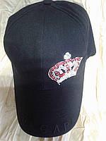 Чёрная хлопковая  бейсболка с вышивкой короны из пайеток