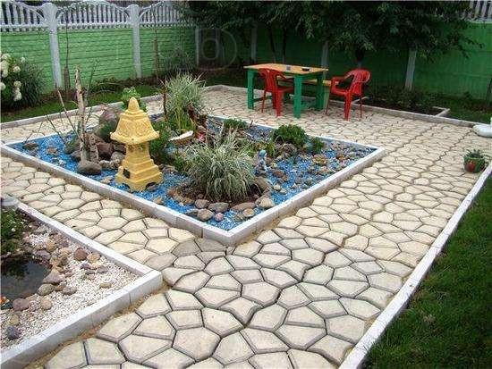 Форму для садовой дорожки