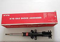 Передние амортизаторы на опель виваро, рено трафик (Vivaro + Trafic) 01-  KYB335803 Япония