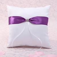 Свадебная подушечка для колец с фиолетовой лентой