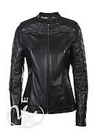 Черная кожаная куртка на молнии