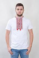 Вышитая мужская футболка с классическим узором