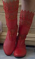 Красные женские сапожки без застежки со вставками макраме кожзам