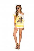 Яркий  костюм с шортами, цвет желтый