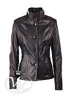 Черная кожаная куртка пиджак на пуговицах
