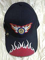 Бейсболка красная  мужская с логотипом футбольного клуба