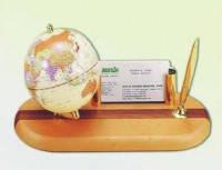 Набор настольный подарочный - Глобус на деревянной подставке светлая вишня