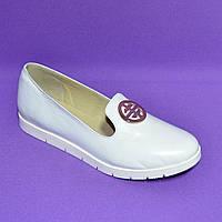 Женские кожаные белые туфли-мокасины на утолщенной белой подошве, фото 1