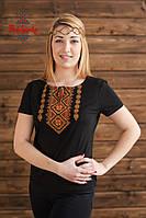 Жіноча вишита футболка Традиційна золота