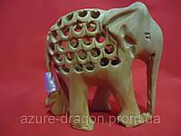 Статуэтка Слон из дерева, светлого кедра.