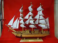 Корабль-парусник большой из светлого дерева. Статуэтка.