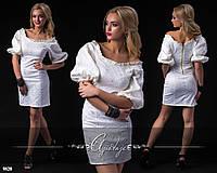 Платье из белого гипюра