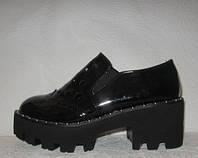 Криперсы женские модные на тракторной подошве черные