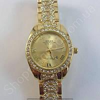 Часы Rolex Oyster Perpetual A218 (113861) женские золотистые в стразах римские цифры календарь