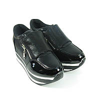Модные кроссовки на платформе черные