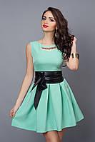 Женское платье цвета мяты