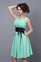Нежное вечернее платье в модном цвете мята без рукавов