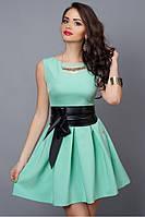 Молодежное летнее платье нежно-салатовое с кожаным поясом