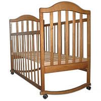 Детская кроватка для новорожденных с полозьями для качания, съемным бортиком, колесиками (древесина ольха)