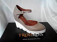 Стильные женские комфортные босоножки TroisRois из натуральной турецкой кожи на танкетке