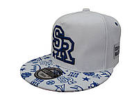 Белая кепка SR