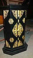 Тумбочка черная с бронзовыми накладками