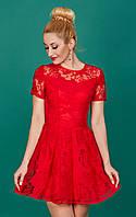 Нарядное и красивое женское платье