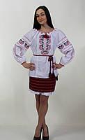 Вышитая женская сорочка с национальным орнаментом