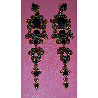Серьги длинные, черные камни в красивой оправе, металл золотистого цвета 001347