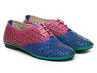 Кожаная женская модель обуви ETOR.