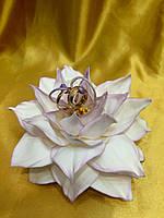 """Подставка для обручальных колец """"Цветок"""" белый."""