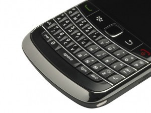 Анонсований смартфон BlackBerry 9720 з QWERTY-клавіатурою