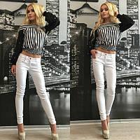 Стильные женские джинсы облегающие