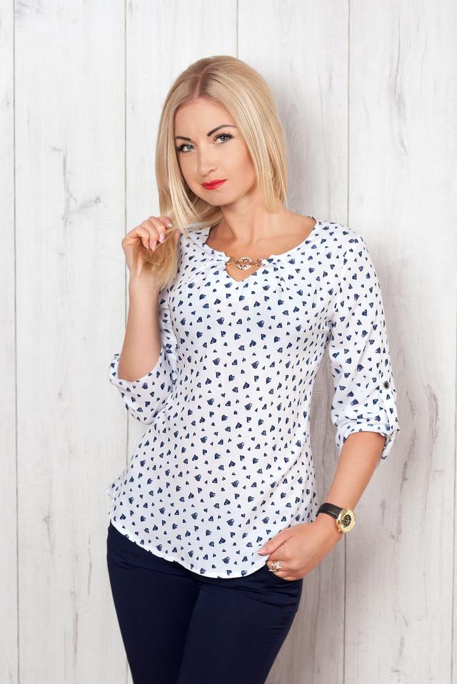 красивые модные футболки на женщин размер