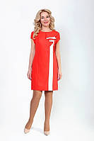 Стильное платье с белой продольной полосой
