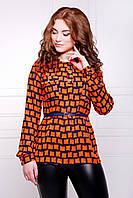 Воздушная блуза с квадратным принтом