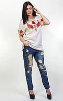 Современная женская блуза, с вышитыми розами на льне