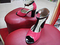 Лаковые босоножки коралл+чёрные Nivelle  на каблуке.