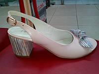 Розовые кожаные босоножки на каблуке  Nivelle.