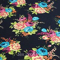 Трикотажное полотно ви/эл, набивка цветы на черном
