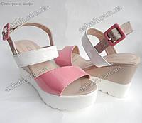 Женские лаковые босоножки на платформе (розовый/бежевый/белыйй)
