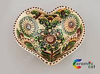 Керамическая тарелка в форме сердца