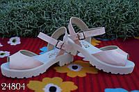 Стильные молодежные женские босоножки сандалии лак