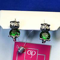 Серебряные сережки для девочек Сова с зелеными камнями 2033
