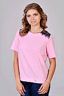 Розовая блуза с круглым вырезом горловины
