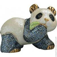 Декоративная Статуэтка De Rosa Rinconada Families. Медвежонок Панда с Листиком (Dr303f-13)