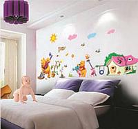 Наклейка на стену, интернет магазин детских наклеек Винни-Пух с Пятачком на грядке (лист 46*65см)