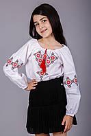Блуза вышитая для девочки с геометрическим узором на белом батисте
