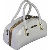Женская сумка ридикюль из лаковой кожи белого цвета