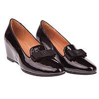Модные женские туфли Deenoor (лаковые, черные, весна-лето, на скритной танкетке, с бантом спереди)